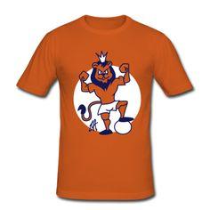 Oranje voetbal leeuw op een T-Shirt. #Spreadshirt #Cardvibes #Tekenaartje