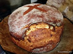 Paine de casa simpla (11) Great Recipes, Favorite Recipes, Cooking Bread, Pita, Romanian Food, Sweet Bread, Baked Potato, Yummy Food, Sweets