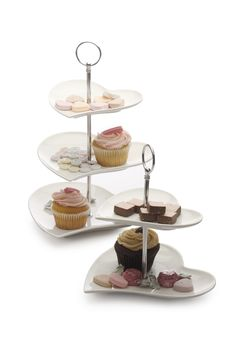 With beautifully shaped-heart cake plates, this tiered cake stand from Maxwell & Williams can be used for absolutely any occasion in which cupcakes,. Maxwell Williams, Cake Plates, Afternoon Tea, Bakery, Cake Stands, Teller, Hearts, Gifts, Products