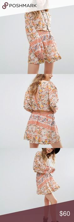 NEW Free People Cut Away Silver Sun Print Dress/M WITH ROOTS BACK TO THE '70S, THE FREE PEOPLE GIRL LIVES THROUGH ART, FASHION, MUSIC AND WANDERLUST. SHE'S FEMININE IN SPIRIT AND BOHEMIAN IN ATTITUDE. FROM SWEET TO TOUGH, TOMBOY TO ROMANTIC, FREE PEOPLE MISHMASH COLOR AND PRINTS ACROSS AN INSPIRED COLLECTION OF FREE-FLOWING MAXI DRESSES, SUPER-SOFT JERSEY AND LEATHER ANKLE BOOTS  Cotton-rich woven fabric Slash neckline Cut-out back detailing All-over printed design Regular fit - true to size…