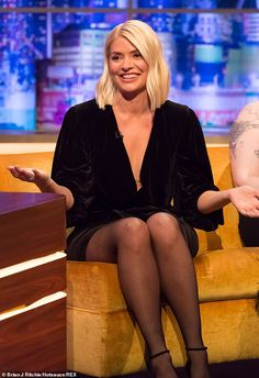 Glowing: She wore her blonde locks down and perfectly styled into soft waves for the show pic Holly Willoughby puts on leggy display as discusses Dancing on Ice Holly Willoughby Hair, Holly Willoughby Outfits, Pantyhose Outfits, Nylons And Pantyhose, Tv Girls, I Love Girls, Tv Presenters, Costume, Sexy Legs