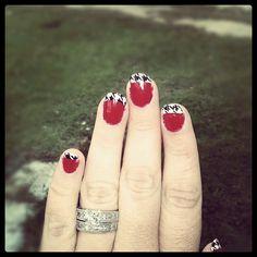 My Houndstooth Bama nails roll tide Roll Mani Pedi, Manicure And Pedicure, Alabama Nail Art, Alabama Football Game, Cute Nail Colors, Nail Envy, Toe Nail Designs, Toenails, Alabama Crimson Tide