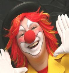 Some people don't like clowns.  They don't scare me.  However, I do prefer those who smile and make me smile
