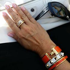 "Eddie Fischer en Instagram: ""Armstacking of the day. #armcandy #lookdujour #hermes #valentino #studs #bracelet #instablogger #eddiefischer #livingastyle #fashionpic #fashionaddict #mystyle #style #blogger #girl #fashionblogger #inspiration #lifestyle #chaneladdict #fashion #fashionista #luxurious #lyx #hand #nails #jewelry #balenciaga #balenciagabag #chanel #chanelsunglasses"""