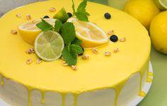 Fruchtige Zitronen, köstliche Himbeeren. Diese Kombination macht den Sonntagskaffee mit Freundinnen zu einer fruchtig- beschwipsten Angelegenheit. #cakeart #citrus #limoncello