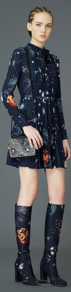 Valentino Pre-Fall 2015. It's outta this world! (Sorry my inner geek couldn't resist.) #valentino