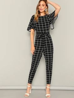 Short Waist, Printed Jumpsuit, Flutter Sleeve, Shorts, Types Of Sleeves, Fashion News, Ideias Fashion, Women Wear, Rompers