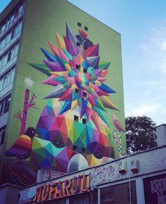 #acelmoment cand #nufarul a inflorit și s-a împrăștiat pe toată clădirea #urban #urbanart #colourful #city