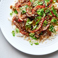 Sesame Beef and Snow Pea Stir-Fry Asian Recipes, Beef Recipes, Ethnic Recipes, Recipies, Sesame Beef, Rice Vermicelli, Toasted Sesame Seeds, Hoisin Sauce, Dinner Is Served