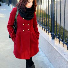 Fashion for petite women: Cherry-coloured coat and black dress --> Palton visiniu clos si rochita neagra - http://migdelia.wordpress.com/2014/01/08/palton-visiniu-clos-si-rochita-neagra/