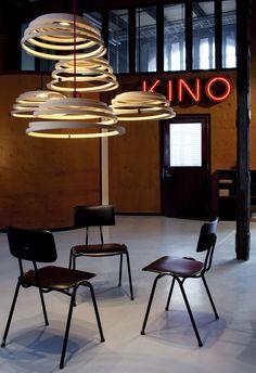 Suspension Aspiro LED / Ø 50 cm Bouleau naturel / Câble noir - Secto Design - Décoration et mobilier design avec Made in Design