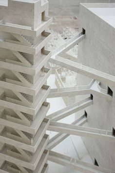 Model of the São Paulo cultural center by Lina Bo Bardi, displayed at the 2010 Venice Architecture Biennale. Model Architecture, Cultural Architecture, Amazing Architecture, Contemporary Architecture, Architecture Details, Interior Architecture, Architecture Images, Interior Design, Escalier Design