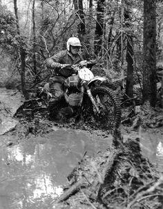 Enduro Motocross, Enduro Motorcycle, Motocross Racing, Motorcycle Art, Enduro Vintage, Vintage Motocross, Vintage Bikes, Vintage Motorcycles, Action Sport