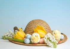 Still need to make your kids' Easter bonnets and bunny ears? Look no further for inspiration and instructions for quick and easy Easter hats in no time. Easter Eggs, Easter Bonnets, Easter Parade, Spring Theme, Easter Crafts, Easter Ideas, Easter Holidays, Craft Sale, Creative Kids