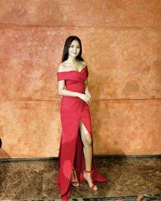 Kathryn Bernardo at Abs-Cbn Trade Launch. 'La Luna Sangre' soon in Ball Gown Dresses, Strapless Dress, Prom Dresses, Filipino, Kathryn Bernardo Outfits, Star Fashion, Fashion Models, Fashion Tips, Daniel Padilla