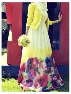 Floral Printed Muslimah Anna Hariri Latest Abaya with Hijab Styles – Girls Hijab Style & Hijab Fashion Ideas Hijab Fashion 2016, Trend Fashion, Modest Fashion, Look Fashion, Girl Fashion, Abaya Fashion, Fashion Dresses, Muslim Dress, Hijab Dress