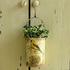 Amazing ideas to Decoupage Tin Can Planters Decoupage Tins, Napkin Decoupage, Painted Tin Cans, Paint Cans, Tin Can Crafts, Metal Crafts, Easy Crafts, Tin Can Art, Recycle Cans