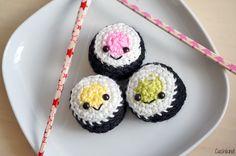 Häkelfood #2: Sushi: http://cuchikind.blogspot.de/2014/03/hakelfood-2-sushi.html