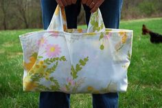 Vintage Pillowcase Grocery Bag, tutorial
