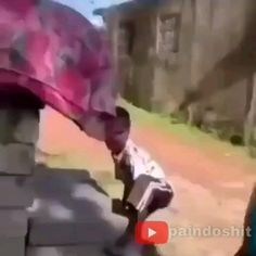 Funny Vid, Funny Clips, Funny Memes, Roblox Memes, Funny Short Videos, Good Times, Anime, Jokes With Pictures, Funny Meme Pics