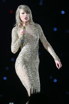 Taylor Swift Web Photo Gallery: Click image to close this window Taylor Swift News, Taylor Swift Gallery, Taylor Swift Pictures, Taylor Alison Swift, Swift Tour, The 1989 World Tour, 1989 Tour, Music Photo, Celebs