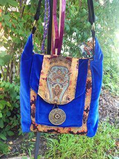 Jes Crossbody Hobo Messenger Bag