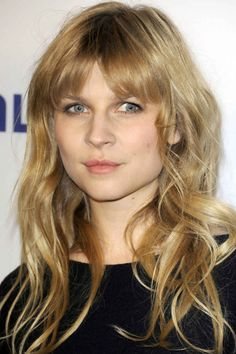 Clemence Poesy top ten hair make-up looks. Make Up Looks, Messy Hairstyles, Pretty Hairstyles, Wedding Hairstyles, Hair Day, New Hair, French Beauty Secrets, Beauty Tips, Beauty Hacks