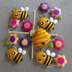 Etsy :: Your place to buy and sell all things handmade Mobiles, Bee Crafts, Diy And Crafts, Sewing Projects, Projects To Try, Baby Mobile, Birth Gift, Felt Decorations, Girl Decor