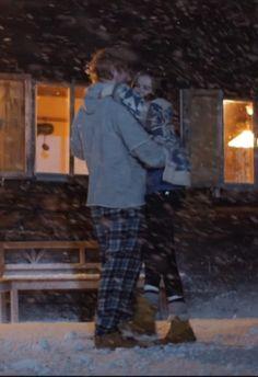 "Ed Sheeran ""Perfect"" Music Video Perfect Video, Perfect Music, Perfect Gif, Ed Sheeran, Edward Christopher Sheeran, Zoey Deutch, Dates, Cat Lovers, Musicians"