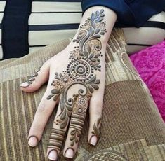 61 Easy, Simple and Traditional Henna Arabic Mehndi Designs - Sensod - Create. Mehndi Desing, Modern Mehndi Designs, Bridal Henna Designs, Mehndi Design Pictures, Beautiful Henna Designs, Arabic Mehndi Designs, Mehndi Designs For Hands, Henna Tattoo Designs, Mehndi Images
