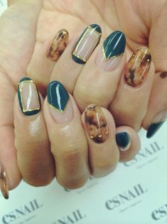 #gorgeous #nailart with natural #design and paint.