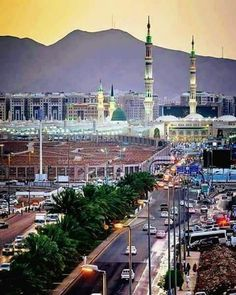 Islamic Images, Islamic Pictures, Mecca Mosque, Imam Reza, Ramadan, Green Dome, Mosque Architecture, Masjid Al Haram, Mekkah