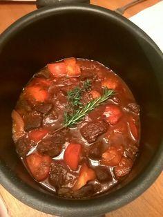 Talktochef.com presents the best homemade beef stew Homemade Beef Stew, Presents, Meat, Cooking, Food, Gifts, Kitchen, Essen, Meals