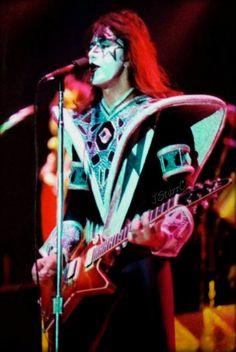Paul Stanley, Gene Simmons, Kiss Costume, Blizzard Of Ozz, Kiss Members, Vinnie Vincent, Eric Carr, Peter Criss, Vintage Kiss