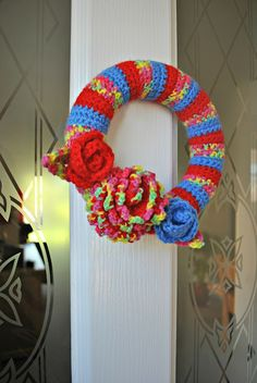 quintonwench: Good wreath! I'm crocheting again!  --- this wreath is smaller in real life than it looks in this picture - which means I might actually finish this crochet project!!! :D :D :D