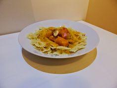 Veggie Fish: Těstoviny s dýňovou omáčkou, pečeným česnekem a vů...
