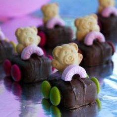 33 Ideas For Race Cars Cake Teddy Grahams Cute Food, Good Food, Yummy Food, Yummy Treats, Sweet Treats, Teddy Grahams, Tiny Teddies, Cars Birthday Parties, Birthday Treats