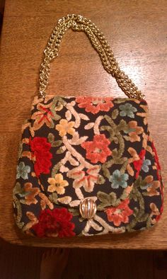Fabulous vintage bag discovered today.
