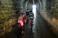 Wout Poels, Rigoberto Uran en Nairo Quintana in one of the tunnels on the Zoncolan.