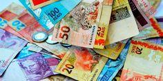 المركزي البرازيلي يخفض سعر الفائدة القياسي إلى 7.5% -  خفف البنك المركزي البرازيلي وتيرة التيسير النقدي بأن خفض أسعار الفائدة بمقدار 75 نقطة أساس لتقترب من أدنى مستوى لها على الإطلاق بينما يبدأ الاقتصاد بالخروج من ركود حاد. وخفضت لجنة السياسة النقدية بالبنك المركزي سعر الفائدة القياسي إلى 7.50 بالمئة بعد أربعة تخفيضات متتالية بلغت كل منها 100 نقطة أساس.  والقرار الذي اتخذته اللجنة بالاجماع جاء متماشيا مع توقعات الخبراء.    -  المصدر #cnbcarabia  -  للاستفسار عن #الاستثمار فى #البورصة_المصرية…