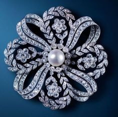 Pearl diamond brooch pendant