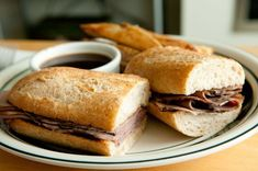 Slow Cooker Recipe: French Dip Roast Beef If there is one sandwich that is very popular in my house, it is a good roast beef with au jus s...