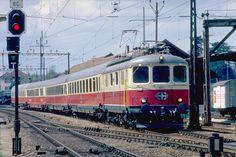 www.cgn02.ch ferphoto Archives_1980-1989.html Locomotive, Train Suisse, Holland, Swiss Railways, Ontario, Switzerland, Transportation, Archive, Europe