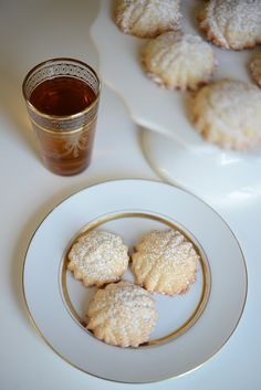 Moroccan Almond Macaroons | Cupcakes & Cashmere