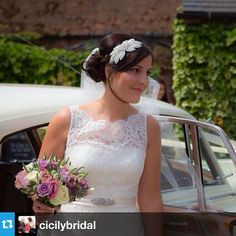 #Repost from @cicilybridal - this gorgeous bride chose my Odette headpiece to accessorise her wedding day look x --- Beautiful bride wearing #augustajones #debbiecarlisle @dcbouquets @augustajonesbridal #daphne #weddingdress #wedding #accessories
