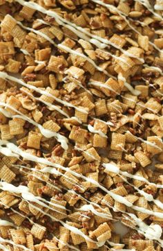 This Pecan Pie Chex Mix is the perfect combination of sweet and salty. Crunchy Chex Mix and pecans coated in soft caramel and drizzled with white chocolate make this a holiday treat everyone will love! Trail Mix Recipes, Fall Recipes, Snack Recipes, Snacks, Popcorn Recipes, Fudge Recipes, Appetizer Recipes, Unique Recipes, Sweet Recipes