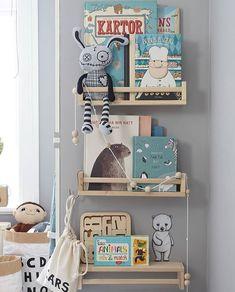 Kryddhylla från Ikea som bokhylla