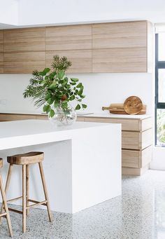 Modern Kitchen Design - A contemporary beach house offers up a bright and breezy interior by Cedar Kitchen Ikea, New Kitchen, Kitchen Decor, Kitchen White, Neutral Kitchen, Kitchen With Island Bench, Kitchen Plants, Kitchen Styling, Kitchen Dining