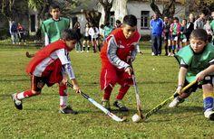 San Isidro disfrutó de una jornada de hockey social Tuvo lugar el sábado pasado en la localidad de boulogne. Participaron más de 500 chicos y chicas de instituciones deportivas de Moreno, Merlo, José C Paz, Malvinas Argentinas, Hurlingham y San Martín.