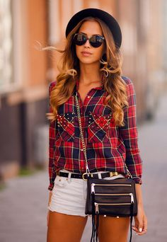 Urban street style at its finest. This casual outfit is perfect for a day out on the town. A plaid blouse w/ gold studs is tucked into a perfect pair of summer shorts. Outfits For Teens, Summer Outfits, Casual Outfits, Cute Outfits, Summer Shorts, I Love Fashion, Teen Fashion, Fashion Ideas, Fashion Hats